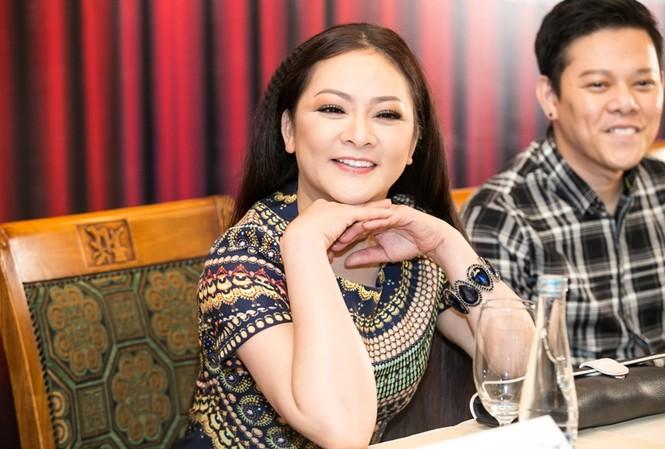 Như Quỳnh trong cuộc gặp gỡ báo chí Hà Nội