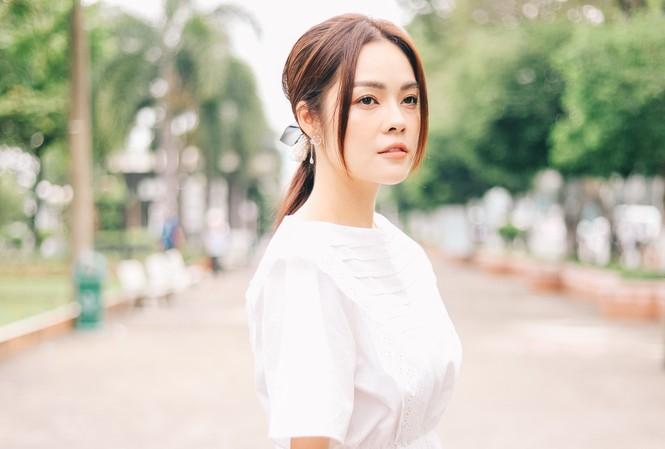 """Dương Cẩm Lynh vào vai mẹ đơn thân trong phim """"Tiệm ăn dì ghẻ"""""""