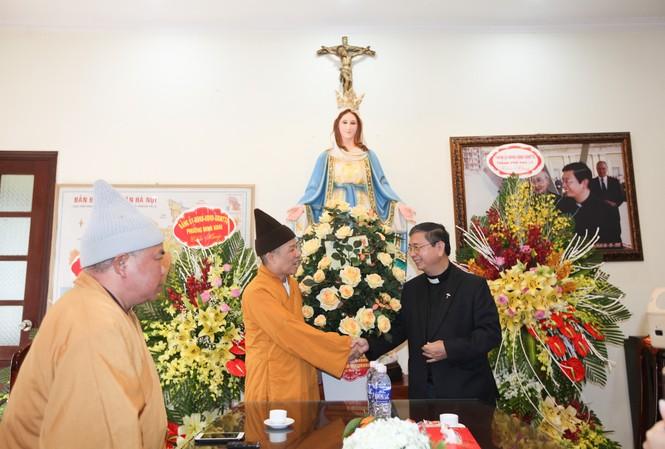 Giáo hội Phật giáo Việt Nam thăm và chúc mừng các chức sắc Công giáo và bà con giáo dân