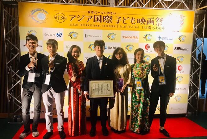 Đoàn học sinh Việt Nam tham gia liên hoan phim năm nay