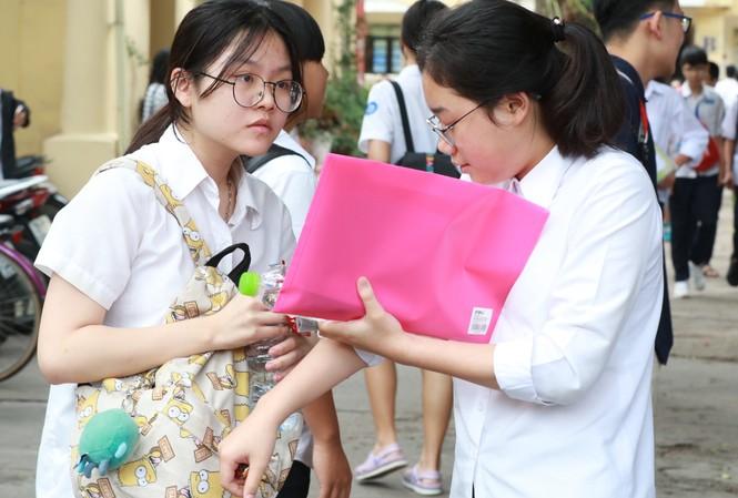 Học sinh lớp 9 Hà Nội năm nay sẽ vẫn thi 4 bài thi tuyển sinh vào lớp 10.