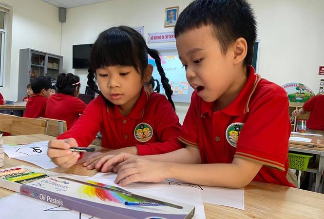 Học sinh học SGK mới, môn Tiếng Việt 1 năm học 2020-2021.