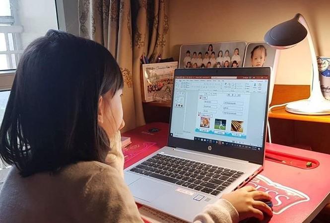 Các nhà trường sẽ dạy học trực tuyến.