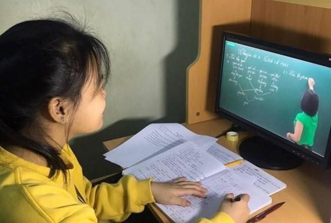 Hải Phòng cho học sinh lớp 1, 2 nghỉ học trực tuyến.