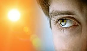 Khô mắt - dấu hiệu cảnh báo cơ thể thiếu vitamin D không thể bỏ qua