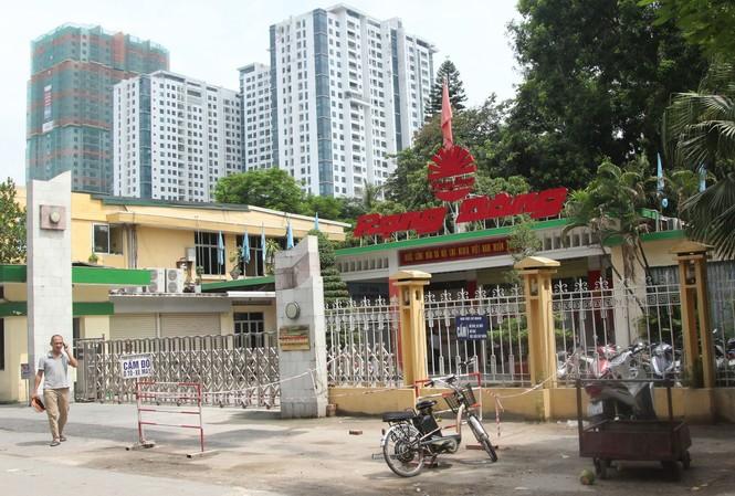 Nhà máy Rạng Đông, cơ sở xin chuyển đổi thành nhà cao tầng nhưng chưa được chấp thuận.