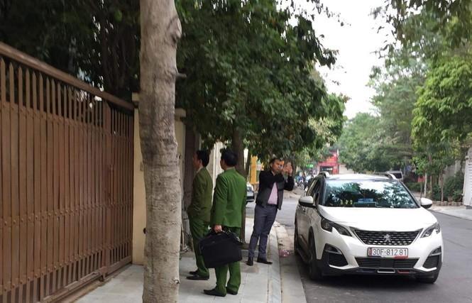 Cơ quan công an khám nhà ông Nguyễn Văn Tứ