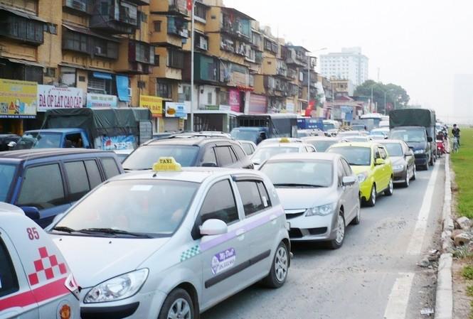 Ảnh minh hoạ: Taxi Hà Nội hoạt động trên đường