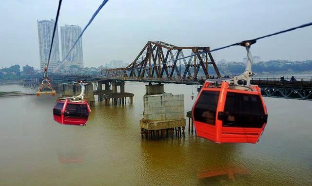Nhiều chuyên gia lo ngại hiệu quả giảm ùn tắc từ đề xuất xây cáp treo vượt sông Hồng - Ảnh minh họa: Mộc Liên