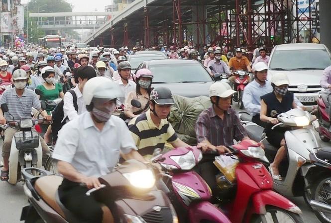Các quận trung tâm sẽ có kế hoạch hạn chế xe máy trước. Ảnh: T.Đảng