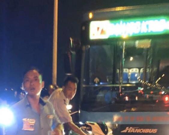 Hiện trường vụ lái, phụ xe buýt đánh người đi đường tối 20/10
