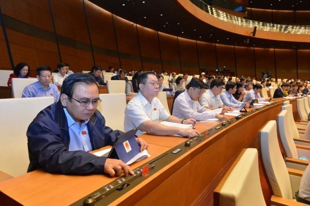 Quốc hội thông qua Nghị quyết về phân bổ ngân sách (ảnh Như Ý)