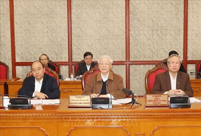Tổng Bí thư, Chủ tịch nước Nguyễn Phú Trọng chủ trì cuộc họp của Bộ Chính trị về phòng chống dịch COVID-19