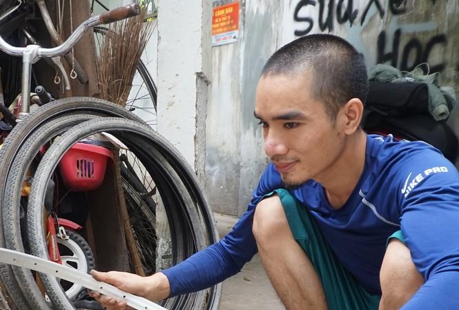 Chàng kỹ thuật viên 'hồi sinh' xe đạp cũ tặng học trò nghèo