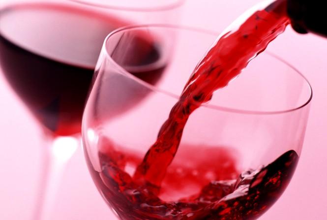 Những công dụng mới của rượu cho nhà bếp