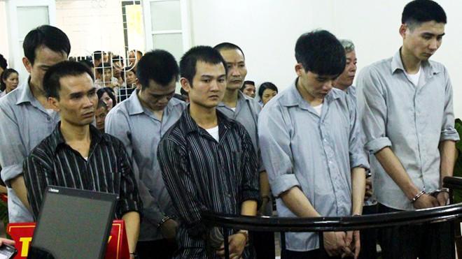 8 bị cáo bị truy tố tội giết người