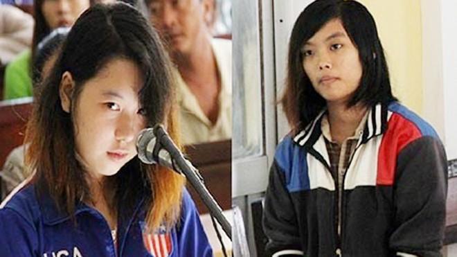 Bị cáo Phan Thị Kim Xuyến (trái) và hung thủ Lê Thị Mỹ Duyên tại phiên tòa sơ thẩm