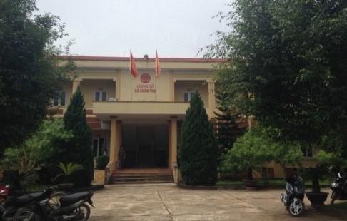 Sáng 10/9 tại UBND xã Xuân Thọ tiến hành mở thầu gói thầu số 3. Ảnh: Công lý