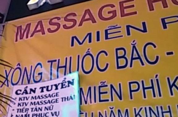 Biển quảng cáo của địa điểm massage của bà Sol. Ảnh: Hải Hiếu