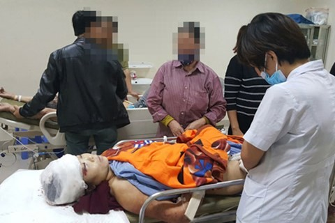 Cả hai vợ chồng Vĩnh đang được cấp cứu tại bệnh viện Bắc Giang