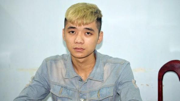 Trần Lý Hùng tại cơ quan công an