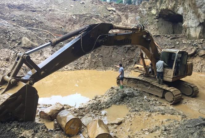 Hiện trường vụ sập hầm khai thác vàng trái phép