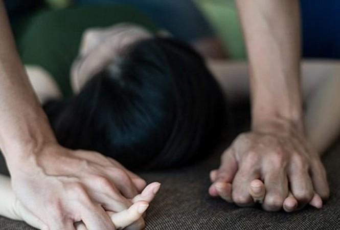 Cãi nhau, vợ đâm đơn tố chồng hiếp dâm mình