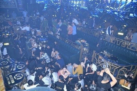 Gần 90 thanh niên bị phát hiện phê ma túy trong quán bar lớn nhất Biên Hòa. Ảnh: CA Đồng Nai