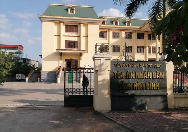 TAND tỉnh Hòa Bình thẩm định hồ sơ, không phát hiện tài liệu thể hiện Nguyễn Quang Huy bị truy nã