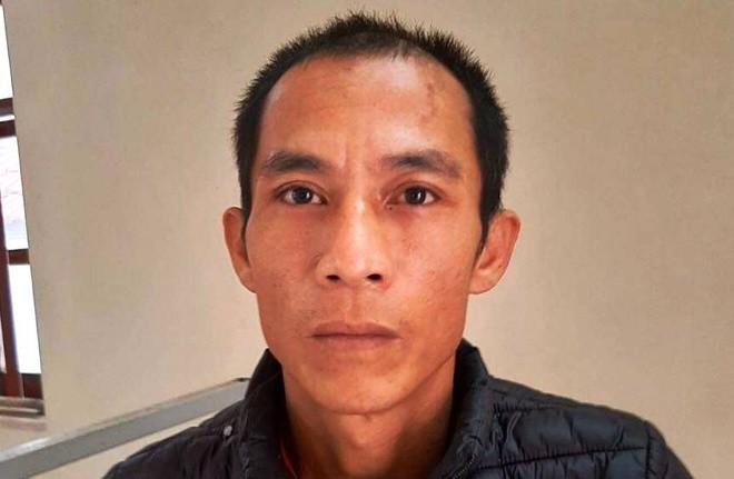 Trần Văn Sơn tại cơ quan công an
