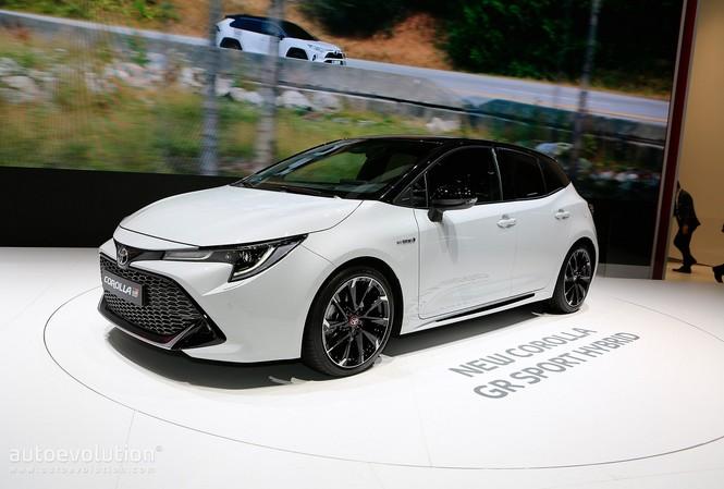 Toyota Corolla 2019 không được đánh giá cao tại Anh