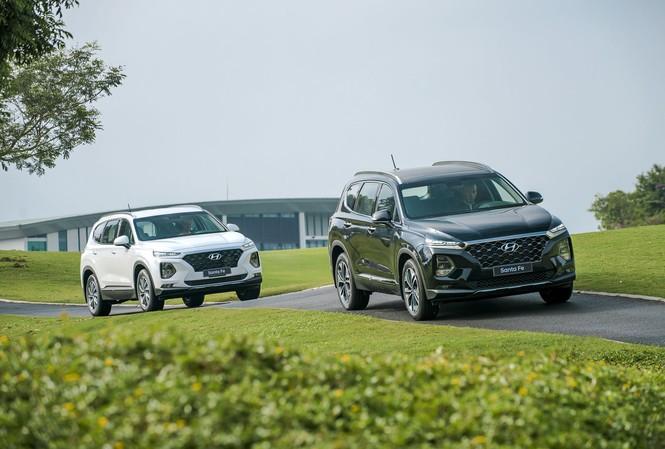 Doanh số Hyundai SantaFe tăng trưởng mạnh trong tháng 10
