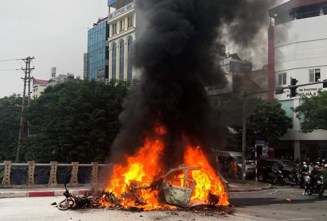 Hàng loạt xe sang gây những vụ tai nạn thương tâm