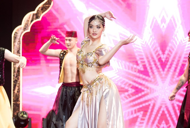 Á hậu Kiều Loan khoe eo thon, múa bụng đầy uyển chuyển tại Dubai