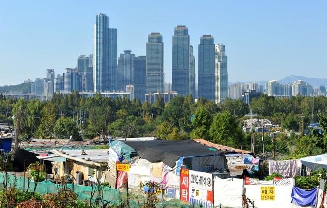 Khu ổ chuột quay 'Ký sinh trùng' từng khiến thế giới sốc về Hàn Quốc