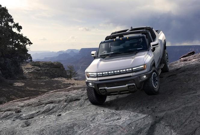 Xe bản tải GMC Hummer vừa được ra mắt gần đây.