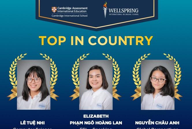Ba học sinh tiêu biểu của trường WellSpring  tại  kỳ thi IGCSE