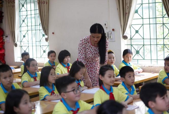 Giáo viên được 'giải thoát' khỏi yêu cầu chứng chỉ tin học, ngoại ngữ