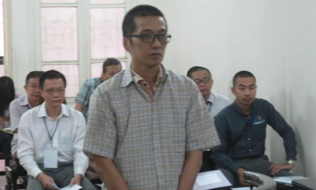 Nguyễn Anh Tuấn tại phiên toà.
