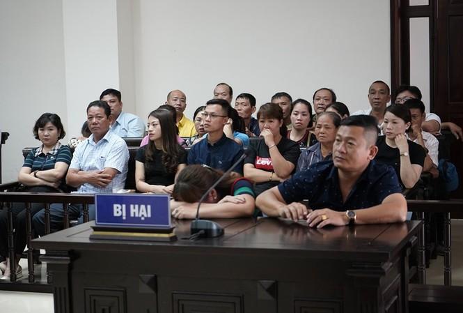 Bị hại lo sợ có thể bị trà thù vì đã tố cáo hành vi cưỡng đoạt tài sản ở chợ Long Biên.