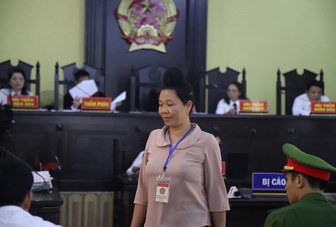 Nhân chứng Lò Thị Trường khai đã chi 300 triệu đồng chỉ để xem điểm trước cho con. Hiện con bà đã bị đuổi khỏi Học viện Cảnh sát.