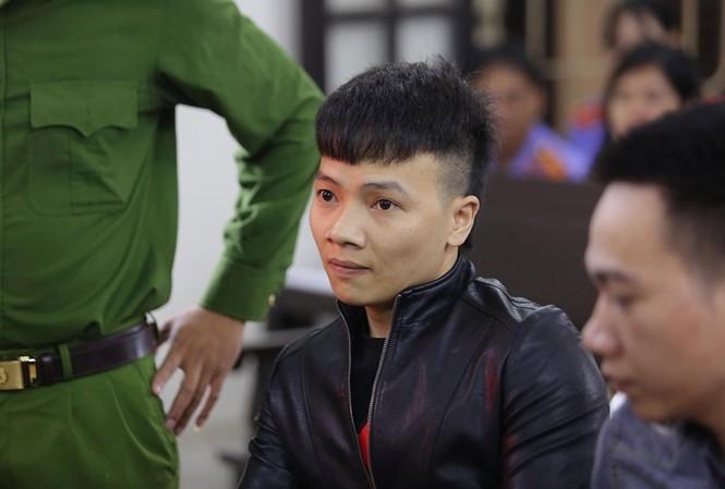 Bị cáo Ngô Bá Khá phải nhận 10 năm 6 tháng tù.