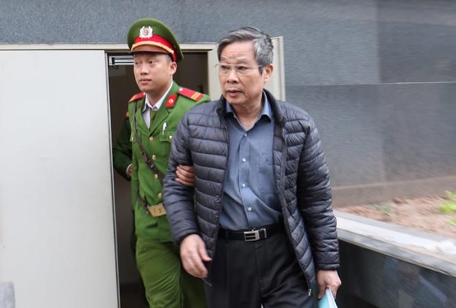 Bị cáo Nguyễn Bắc Son nói không nhớ tiêu 3 triệu USD vào việc gì.