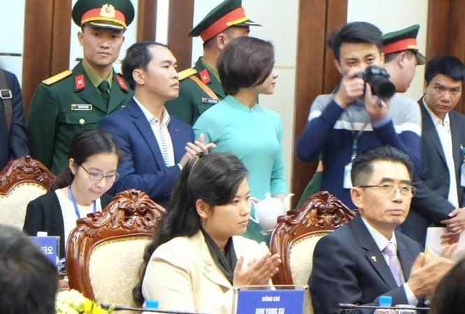 Nữ ca sỹ quyền lực cùng đoàn Triều Tiên thăm nhiều cơ sở kinh tế ở Hà Nội