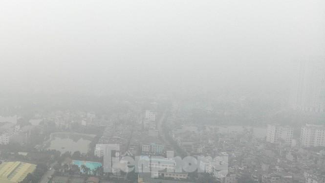 Sáng nay không khí Hà Nội lên ngưỡng ô nhiễm đỏ- có hại cho sức khỏe tất cả mọi người.
