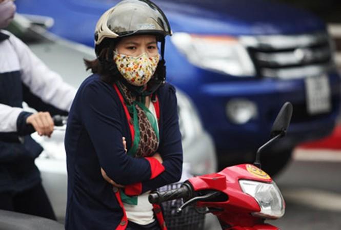 Ngày mai, người dân thủ đô đón rét đậm khi nhiệt độ dao động từ 12-16 độ.
