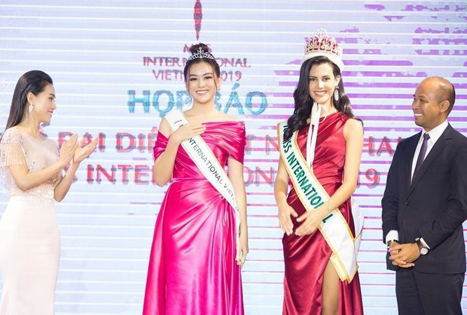 Á hậu Tường San chính thức được đề cử đi thi Hoa hậu Quốc tế 2019