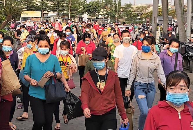 Do ảnh hưởng của đại dịch COVID-19, công ty PouYuen (quận Bình Tân, TP.HCM) phải chấm dứt HĐLĐ với gần 2.800 công nhân
