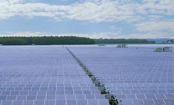 Cụm nhà máy điện mặt trời Dầu Tiếng sẽ cung cấp nguồn điện với công suất 690 triệu kWh mỗi năm, tương đương với mức tiêu thụ điện của gần 320.000 hộ gia đình Việt Nam