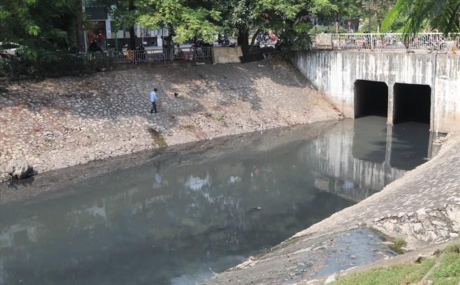 Sông Tô Lịch hiện ô nhiễm nghiêm trọng